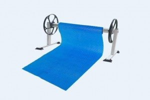 T-shape-pool-cover-roller-2-300x200